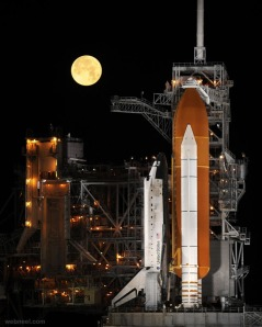10-amazing-photography-space-shuttle-moon